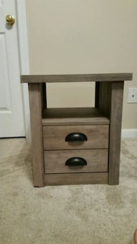 End table  Fort Mill