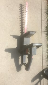 """Craftsman 14"""" hedge trimmer. Electric/plug in Grove City, 43123"""