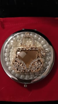 Gorgeous !!!!!Compact Mirror with purse design Gainesville, 20155