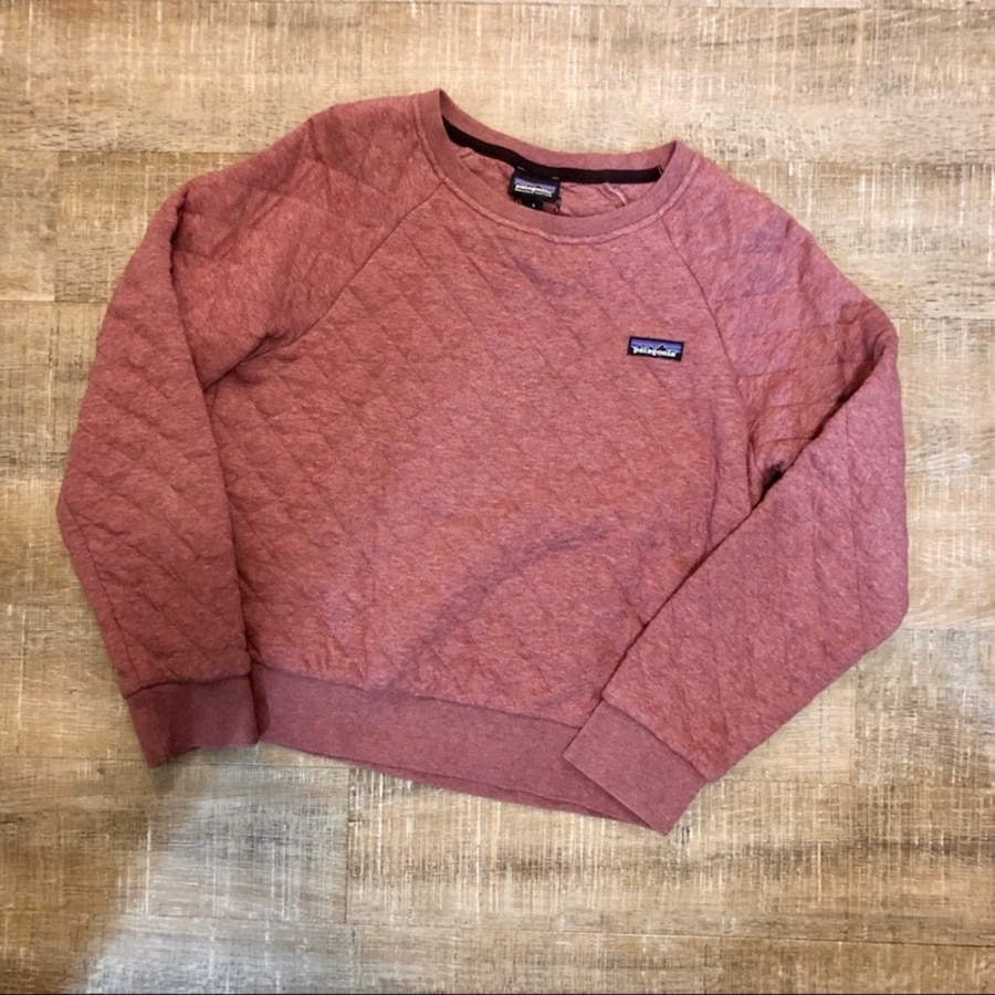 Photo Patagonia quilted crew pink sweater