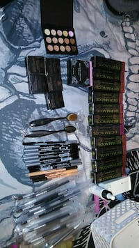assorted brands of cosmetic product lot