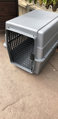 Gray and black pet carrier San Leandro, 94577
