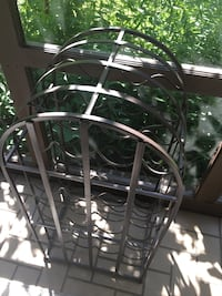 Wine rack iron holds 31 bottles great condition