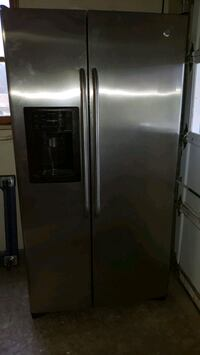 GE Adora Stainlss side/ side w ice, h20, fully ad Lock Haven, 17745