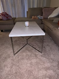 Coffee table for sale it's in great condition  Laurel, 20707