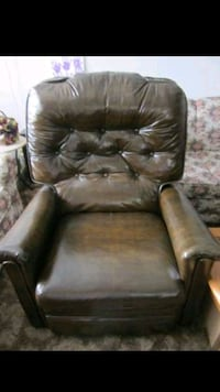 Recliner with heat  Portland, 97206