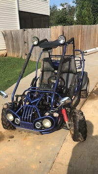 black and blue dune buggy Rydal, 30171