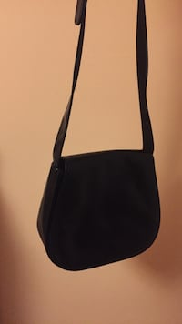 Black handbag Mississauga, L5B