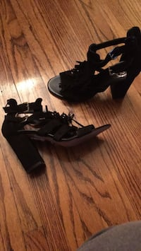 B2 suede shoes size 38 with fringe Toronto, M9N 2Z5