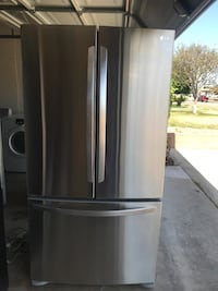 Stainless Steel LG Refrigerator With Ice Maker Montclair, 91763