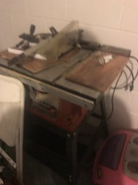 Table saw still works normal wear  Tavares, 32778