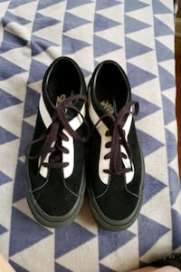 Vans with laces