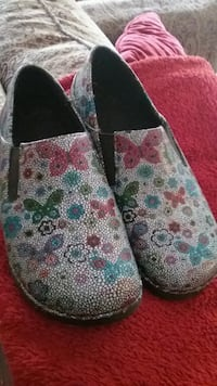 Spring step nursing shoes size 8