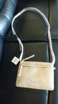 Brand new Roots Crossbody Bag Toronto, M1J 2G3