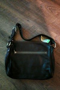 black leather 2-way bag London, N5V 3Y4