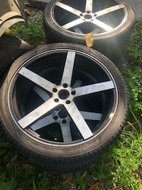 22 rims Pattern is commonly associated with Buick, Cadillac, Dodge, Chrysler, Chevy, or Pontiac cars. Miami, 33150