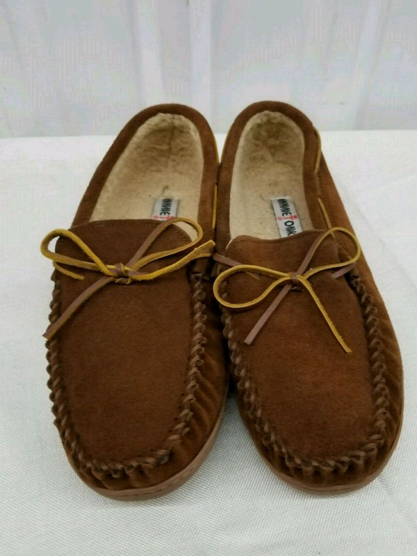 Size 12 mens slippers *new*