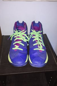Curry basketball shoes size 5.5Y