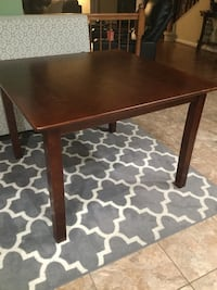 Square wood table with 4 chairs Lorton, 22079
