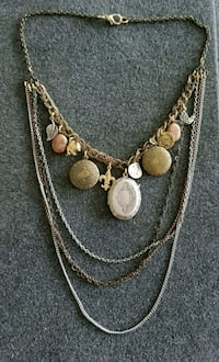 gold-colored necklace with earrings Palatine, 60067