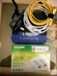 LYNKSYS WRT54GS V7 Wireless -G  Router & 3 TP LINK AV500  adapters Kingston, 02364