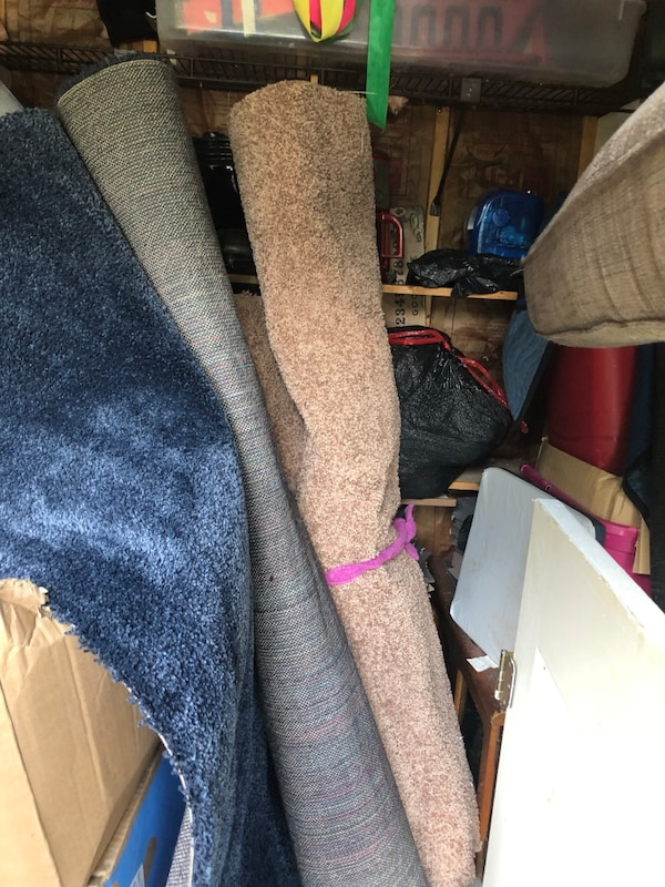 2 rolls of carpet tan color, not the blue it sold c42e689d-7b7f-4693-8a8b-b58180936312