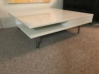 rectangular white wooden coffee table Tampa, 33625