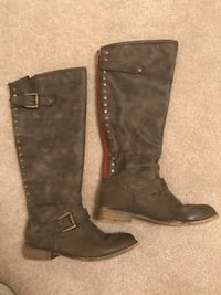 Women's tall boots. Size 7.5