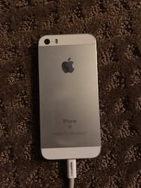Sliver iPhone SE 64gb Calgary, T2X 2K5
