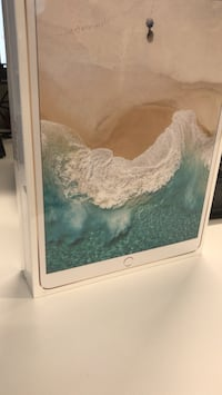 iPad Pro 10.5 Gold - Brand New  Laval