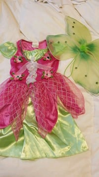 child's fairy/Tinkerbell Halloween costume  5/6 Pitt Meadows, V3Y 1H4