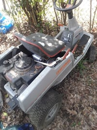 gray and black ride on mower Anniston, 36201