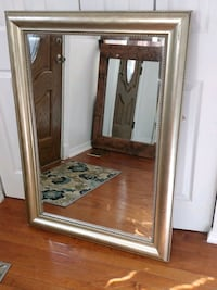 """Nice wooden frame mirror # in good condition, L42.5""""*H30.5"""" Annandale, 22003"""