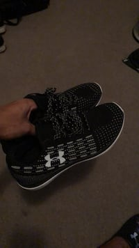 Under armour runners size 11 Pickering, L1V 6P1