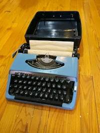Vintage Portable Brother Typewriter with Lid/Case Brooklyn, 11206