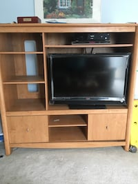 Wooden TV Hutch 16 km