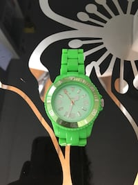 Montre verte fluo Ice watch