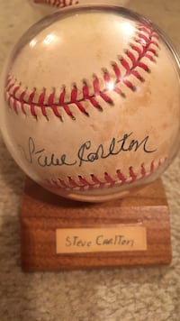 Autographed steve carlton baseball Easton, 18040