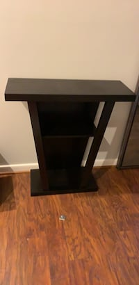 Entrance table almost new already assembled Gaithersburg, 20878