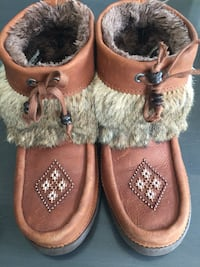 Manitoulin Mukluks like new Georgetown, L7G 5W9
