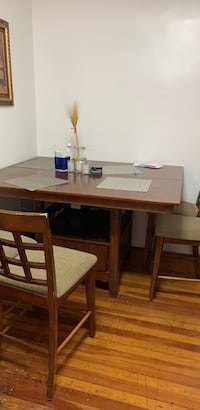 Table with storage 4 chairs New York, 11373