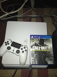 white Sony PS4 console with controller and game case San Antonio, 78210