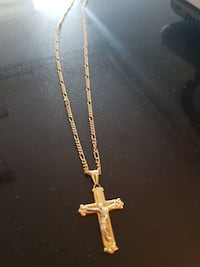 18k gold chain and crucifix pendant