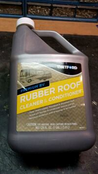 RV roof conditioner/cleaner