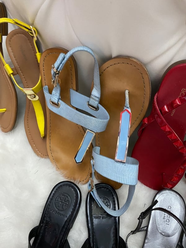 10 pairs of shoes sizes 71/2 and 8 19eada71-4bbc-423c-87a2-3942b9d965e5