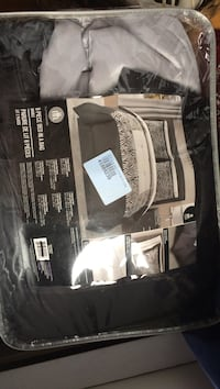 gray comforter set with pack Laval, H7W 1Y4