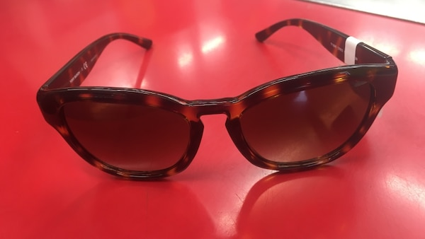 d5bf754cd226b Used tortoise-shell framed tinted square sunglasses for sale in Chicago
