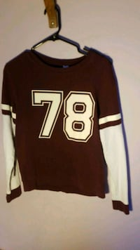 Maroon Sweatshirt  London, N6G 5P8