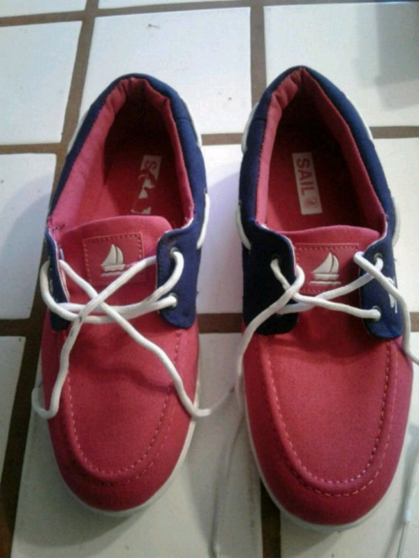Sail shoes size 9 color hot pink/navy