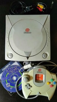 Sega Dreamcast w/ cables, controller, game, more!